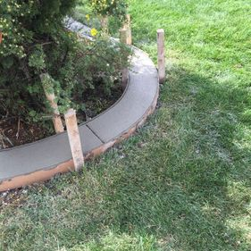 Concrete garden bed